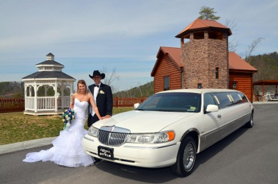limousine services at angels view wedding chapel