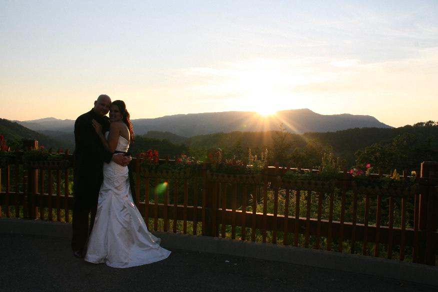 sunset weddings in pigeon forge and gatlinburg